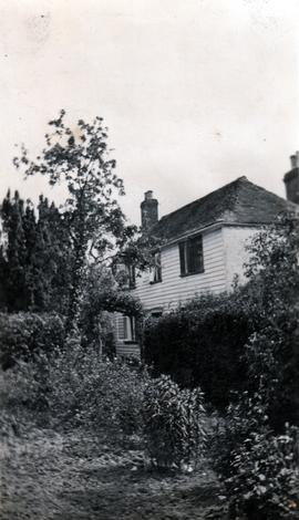 Photograph of cottage