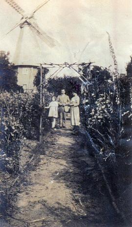 Photograph of John Russell, sister Rhoda and niece Helen West